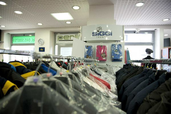 perlini-workwear-negozio-02247CFBE3-BE25-1F61-CD67-0FF3EBFACA9B.jpg