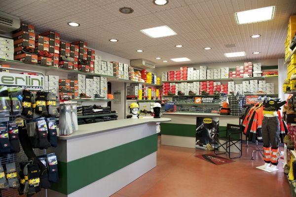 perlini-workwear-negozio-0943602652-CF80-C037-3766-4154ADC33A72.jpg